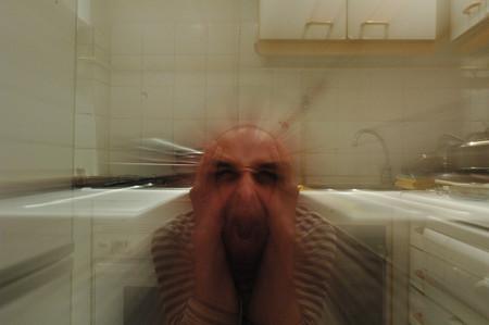La ansiedad social nace del miedo a cometer errores