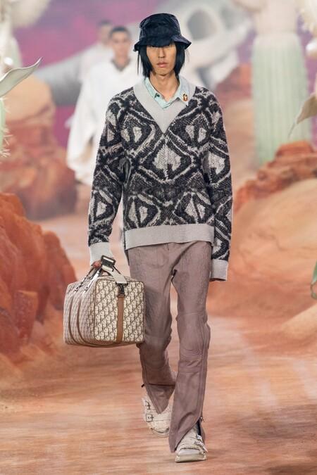 Dior Men Summer 2022 Runway Looks 42
