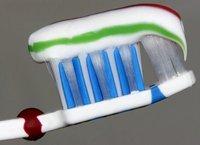 ¿Cómo se hacen los dentífricos de distintos colores?