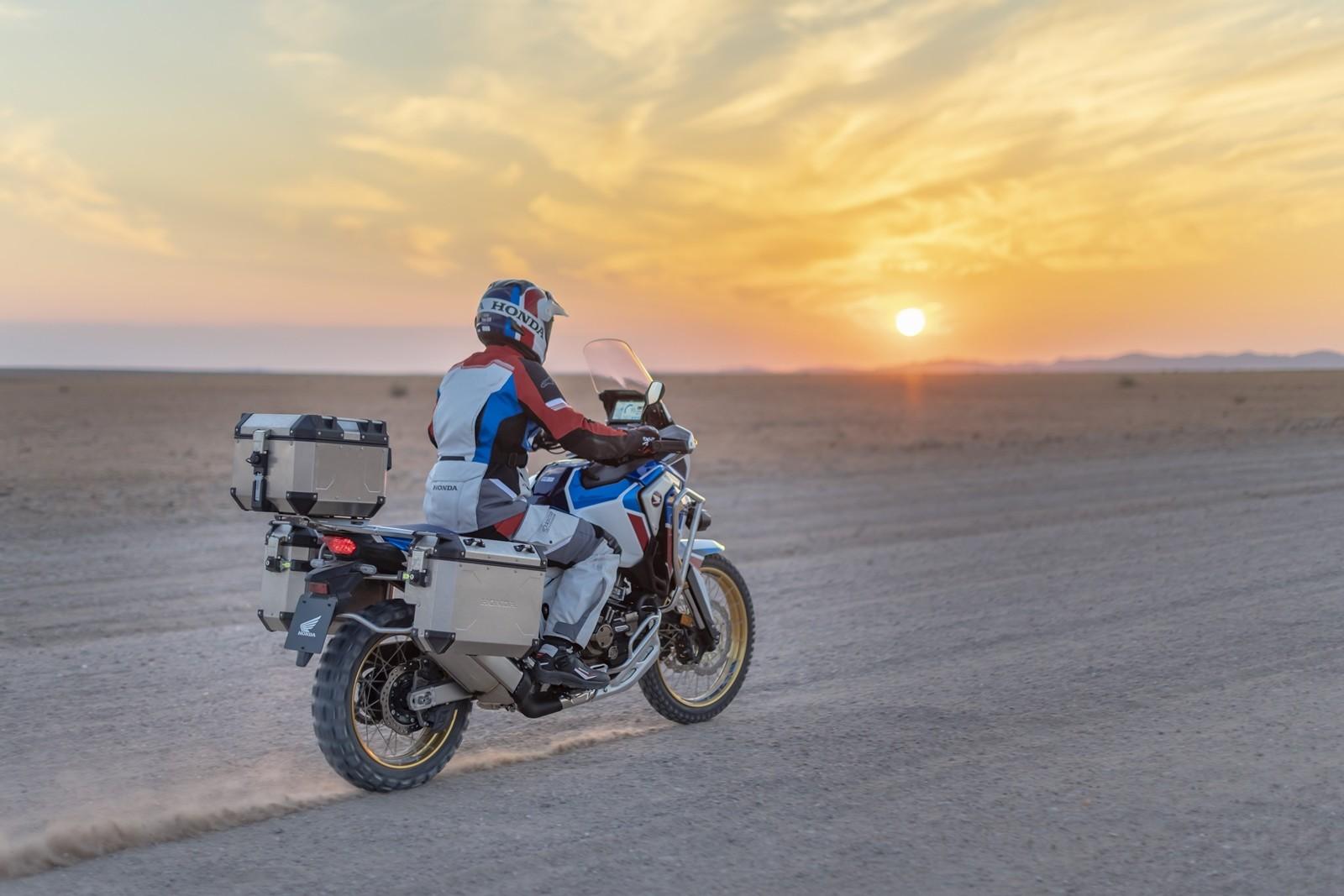 Foto de Honda CRF1100L Africa Twin Adventure Sports 2020 (31/32)