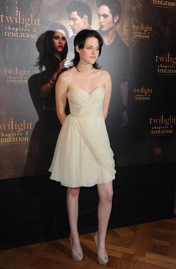Por fin Kristen Stewart acierta con su look
