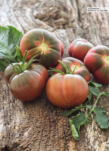 Descubre el Tomate Negro de Santiago. Puro sabor a tomate como el de antes