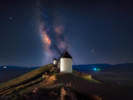 Un equipo de fotógrafos españoles queda subcampeón del mundo en la 29th Bienal de Francia 2021 con una serie de la Vía Láctea