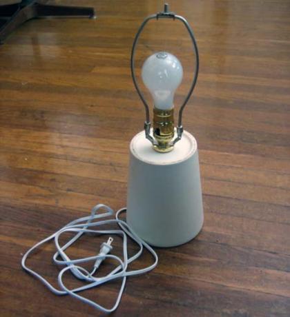 Hazlo tú mismo: forrar un pie de lámpara