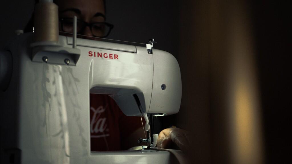 Hay vida más allá del Black Friday: la máquina de coser mas completa de Singer rebajadísima en Lidl