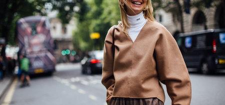 No le tengas manía al color beige: estos looks (y prendas) te devolverán la confianza hacia él