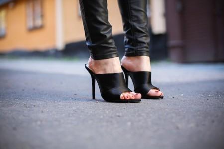 Duelo de estilos: los mules de Zara triunfan en la calle