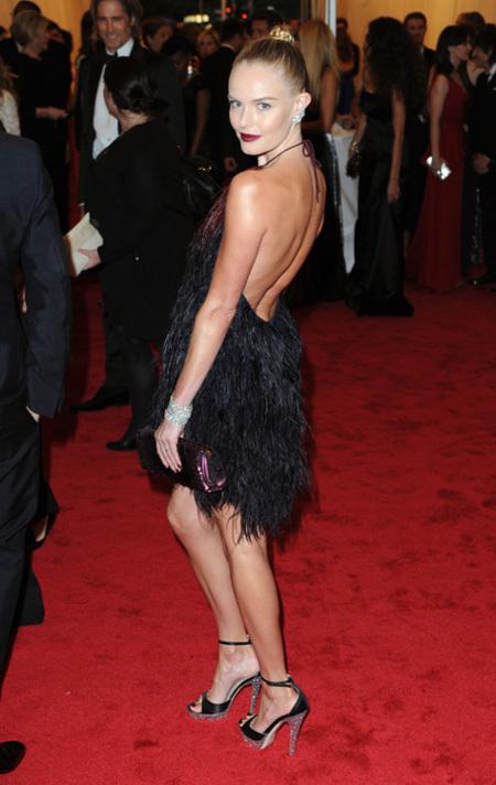 Kate Bosworth con un vestido corto años 20