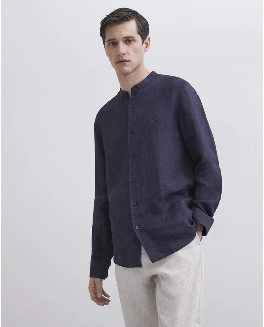 Camisa de lino de hombre regular lisa en azul marino de Adolfo Domínguez
