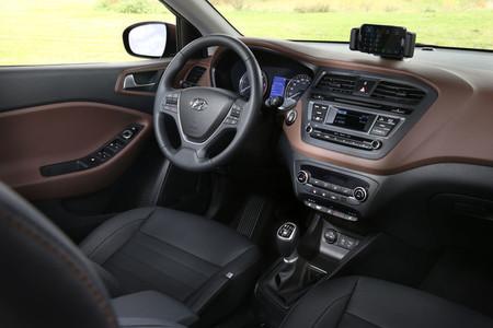 Hyundai i20 2014 - interior