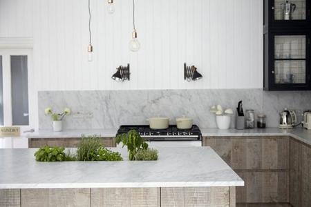Cómo organizar la cocina alrededor de una isla