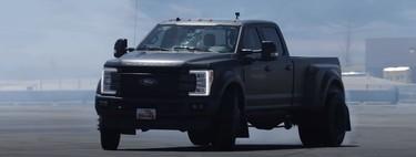 Esta Ford F-450 Super Duty haciendo drifting demuestra que el tamaño no importa cuando Ken Block está al volante