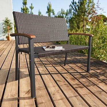 Terrazas bonitas a precio low cost: descubre estas propuestas de mobiliario e iluminación de terraza y jardín de Aldi y Lidl