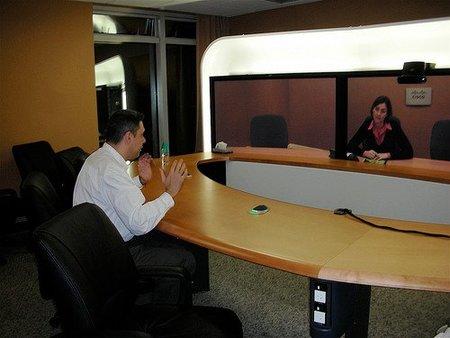 Videoconferencia como solución a la movilidad reducida en los negocios
