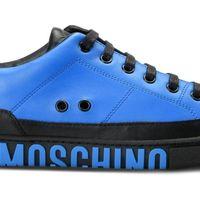 Soberbia en azul y negro. Así es la sneaker más `llevable´ de Moschino