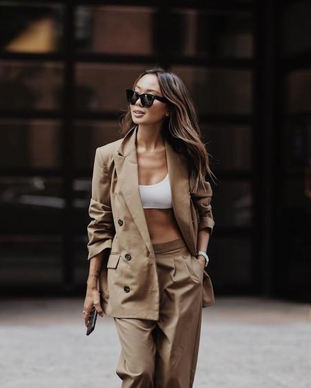 El traje como clave de estilo: nueve influencers nos inspiran con sus estilismos