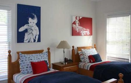Personalizar la habitación compartida con fotos de los peques