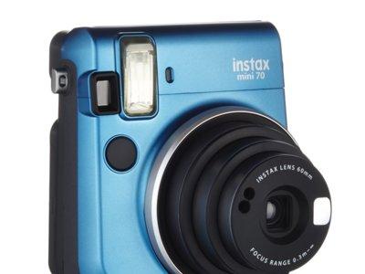 Cámara instantánea Fujifilm Instax Mini 70 con un 50% de descuento