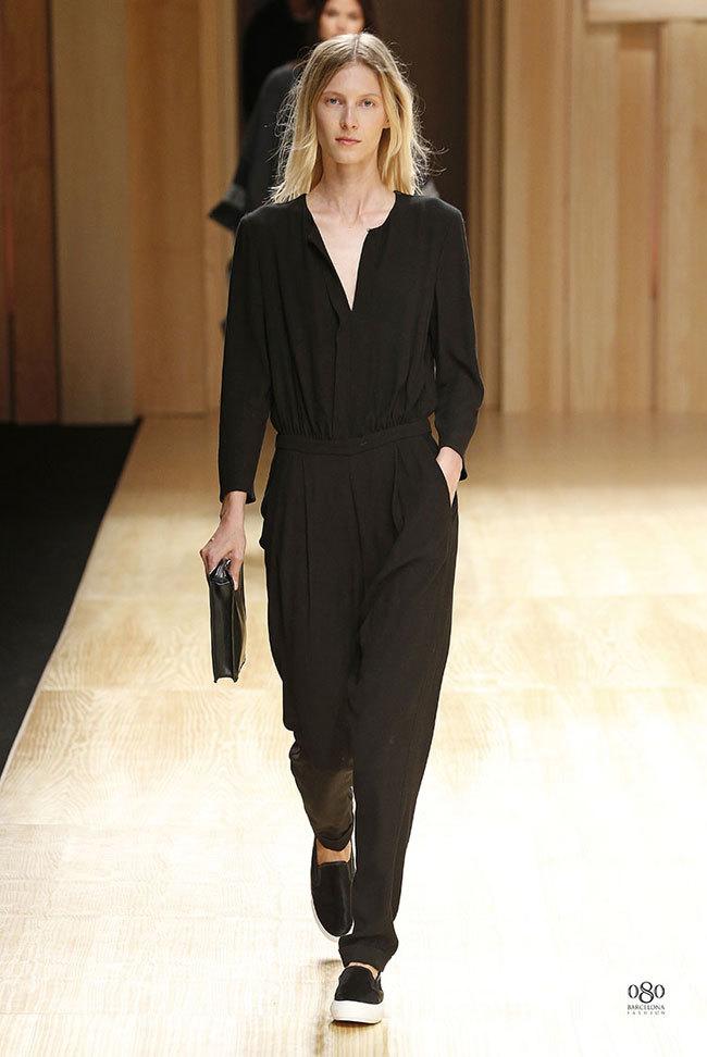 Foto de Mango abre la 080 Barcelona Fashion con su colección Otoño-Invierno 2014 y Toni Garrn (24/41)