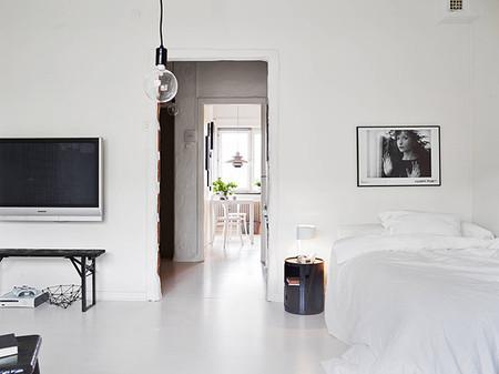 Salón dormitorio en blanco y negro