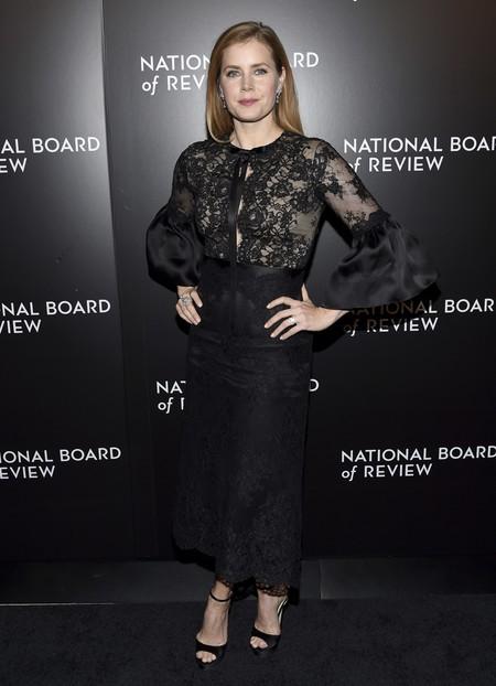 Amy Adams apuesta por las mangas de campana en la National Board of Review Gala