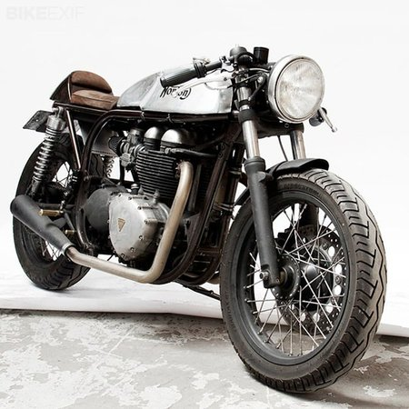 Triton con motor Triumph moderno