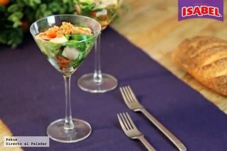 Copa de ensalada de lechugas variadas y atún Isabel [videoreceta]