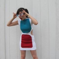 Foto 4 de 5 de la galería un-vestido-con-forma-de-gafas-3d en Trendencias Lifestyle