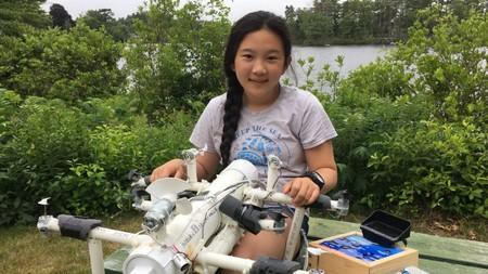 Esta chica inventora ha proyectado un robot para identificar plástico marino