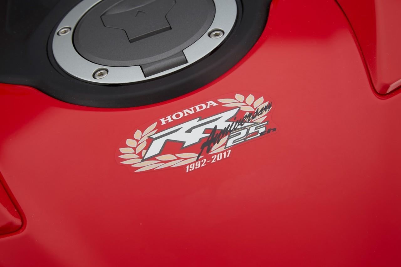 Foto de Honda CBR1000RR Fireblade SP y SP2 2017 (21/51)