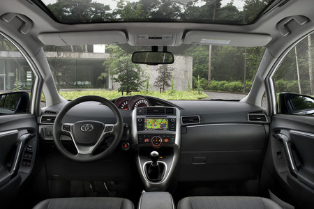 Toyota Verso 2013, vista interior