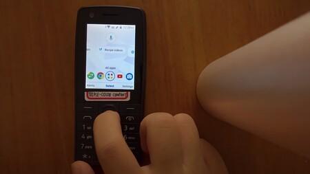 """El Android """"no táctil"""" que nunca existió: el sistema para teléfonos sencillos aparece a bordo del Nokia 400"""