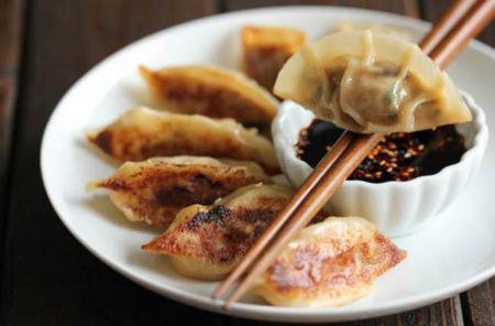 Deliciosa y sencilla receta coreana de Won tons de cerdo