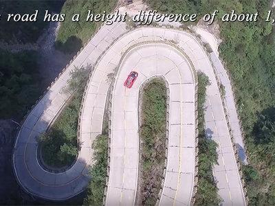 Un Ferrari 458 Italia, 10.9 km y 99 curvas