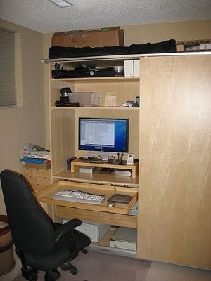 Una buena idea: Centro de trabajo dentro de un armario