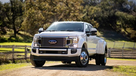 La 2020 Ford Super Duty es la pick-up más capaz de Ford y llega en otoño con tres motores V8