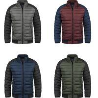 El abrigo para hombre Blend Gallus está en Amazon por 37,95 euros disponible en cuatro colores distintos