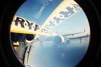 Ryanair se plantea cobrar por utilizar los lavabos en sus aviones