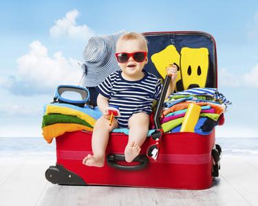 De vacaciones con el bebé: simplifica tu vida llevando solamente lo básico