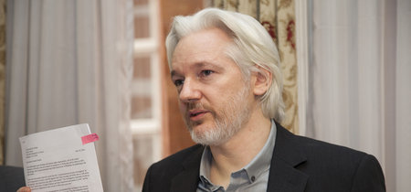 4Chan tiene un plan para devolverle el acceso a Internet a Julian Assange