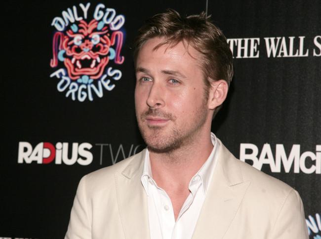 Ryan gosling traje beige