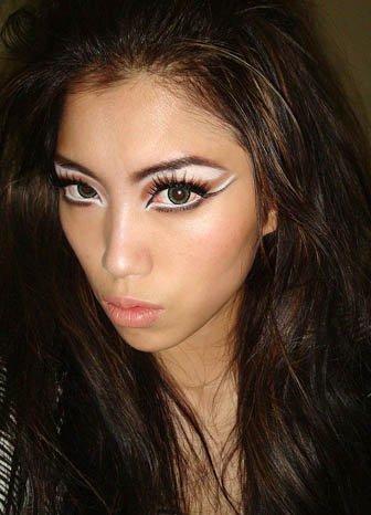 Maquillaje de Halloween: ojos felinos