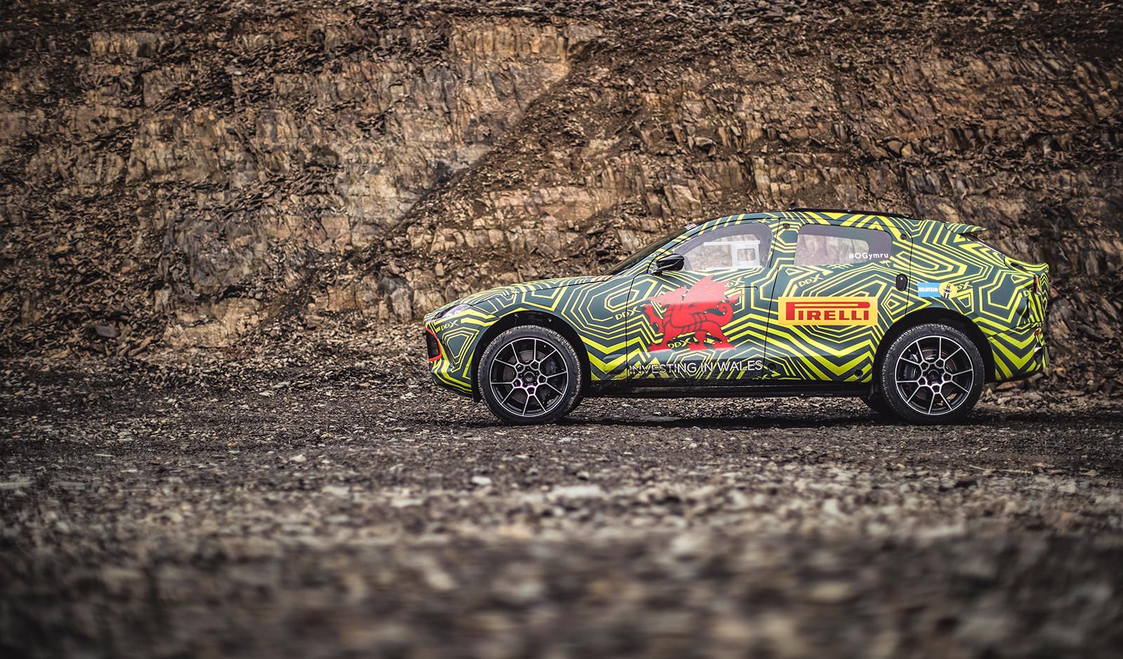 Foto de Aston Martin DBX, primeras imágenes (1/13)