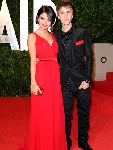 Justin Bieber y Selena Gomez también oficializan en los Oscars, esto es un no parar