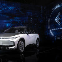 Así son los tres primeros coches eléctricos de Foxconn: el mayor fabricante de electrónica repite su estrategia ahora en el sector del automóvil