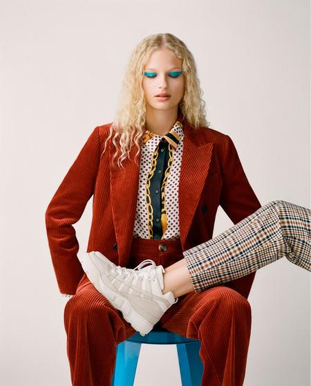 Las sneakers de Zara TRF son absolutamente glamurosas y combinan así de bien con todo