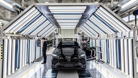 Lamborghini Urus Record 15000 Unidades 2