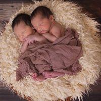 Once frases que nunca deberías decir a los padres de mellizos o gemelos