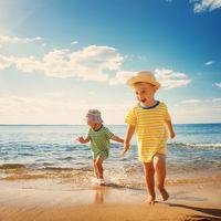 La OCU pide la retirada de dos cremas solares para niños SPF 50+ por ofrecer menor protección que la prometida