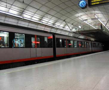 Viajes gratis durante 26 años por haber nacido en el metro